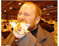 comiendo_un_hotdog.jpg