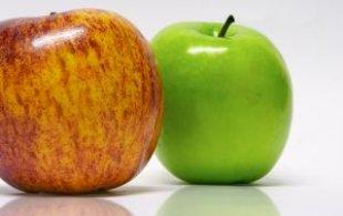 manzana verde y roja crujientes