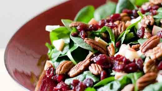 Ingredientes para una ensalada en navidad